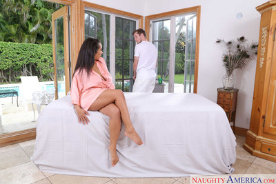 Priya price acquires her slippery cage of love screwed on the massage tabl