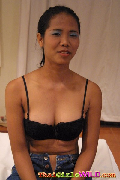 Oriental angel getting bonked and showing her juicy bawdy cleft