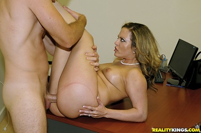 Extreme latin chico MILF Carmen Valentina gives a facefucking and obtains team-fucked hardcore