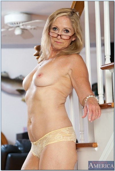 Wrinkled yet hot and flexy older Annabelle Brady striptease