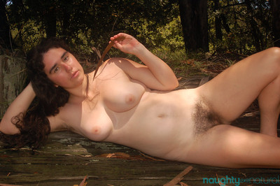 Lucy haze shows unshaved fur pie