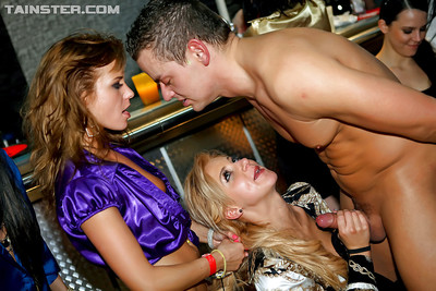 Desirable MILFs getting down with studly boyz at the groupsex munch