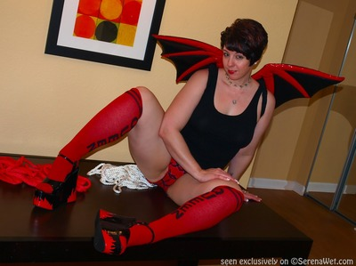 Bat Wings, Ropes Heels ..Oh My!