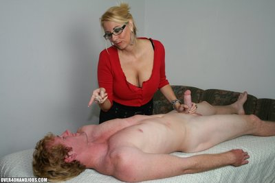 Milf dallas diamondz over40handjobs