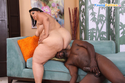 Loose chubby prostitute receives face-fucked by a ebony boy