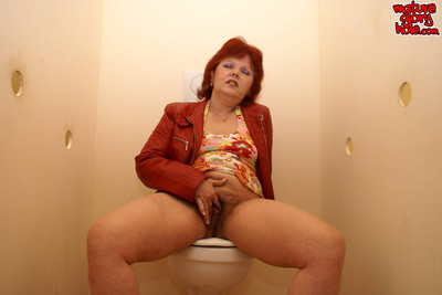 Mamma admires to swallow and fuck during the gloryhole