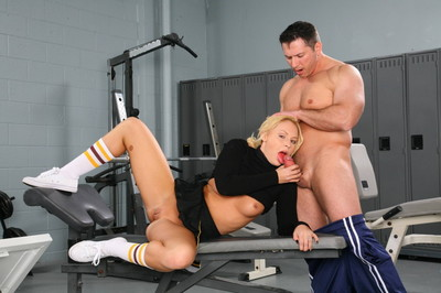 Locker room fuck with a spectacular fairy cheerleader