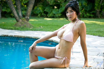 Bikini milf sample Diana Prince is showing her immense wobblers outdoor