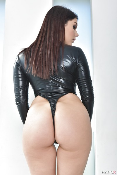 Brown hair Euro pornstar Valentina Nappi makes known weighty all standard milk sacks