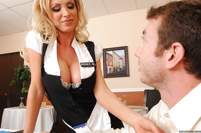 Appealing MILF Nikki Benz likes to purchase a tit participate in uniform
