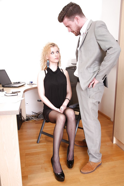 European office cunt Anita Vixen receives dug by her fascinating boss