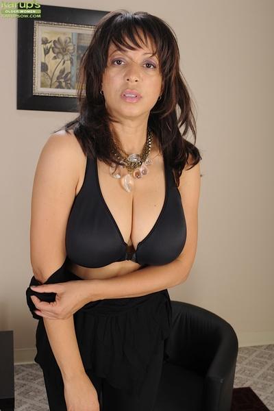 Seasoned dark hair Lala Servant has huge pointer sisters and sweet sexy pants