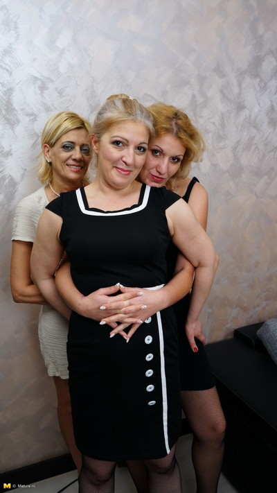 Triple full-grown lesbian cuties make out