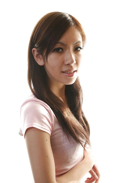 Chinese infant Harumi Matsuda undressing and exposing her bombita pot