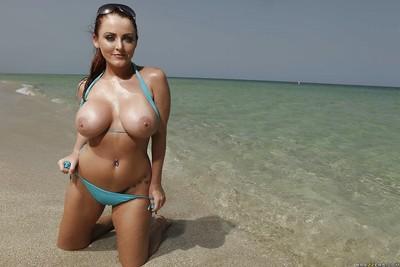 Hotty pornstar with biggest milk sacks Sophie Dee exposing twat outdoor
