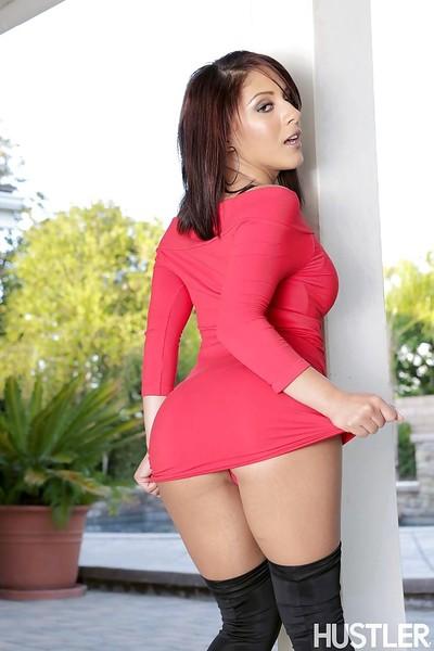 Pornstar Latin babe Liv Aguilera demonstrates her alluring fine body