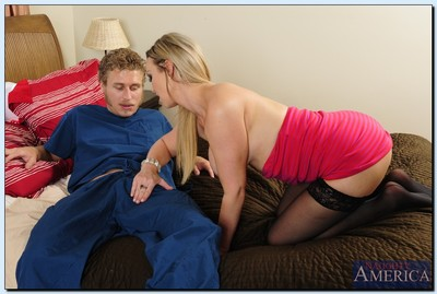 Attractive MILF in nylons Abbey Brooks accepts shagged by her boyfriend
