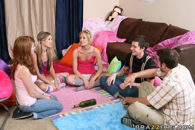 Amateur lasses Riley Rey and Brooke Bennett disrobe for a group smokin