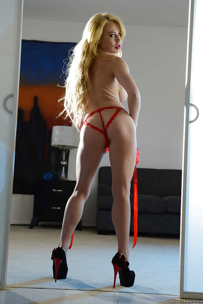 Buxom pornstar Corinna Blake way solo in blindfold and extreme sexy pants
