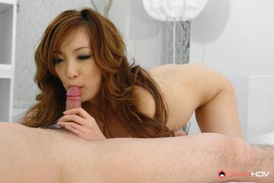 Aiko Nagai feels like to kick their rods