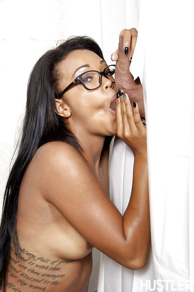 Pornstar in glasses Harley Dean gives head and gains