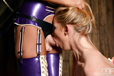 Femdom Tasha Holz dominates and has intercourse Anna Polina in a Fuck and play scene