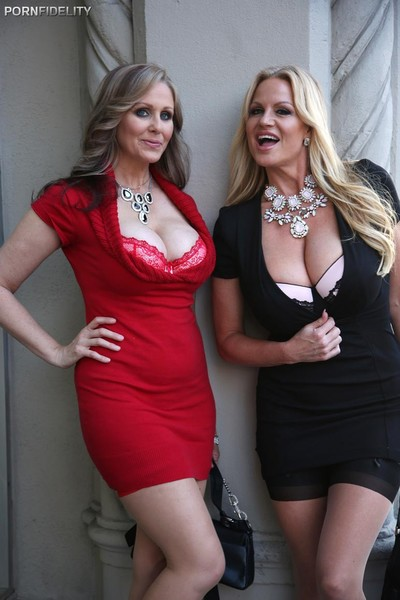 Julia ann and kelly madison in nylons