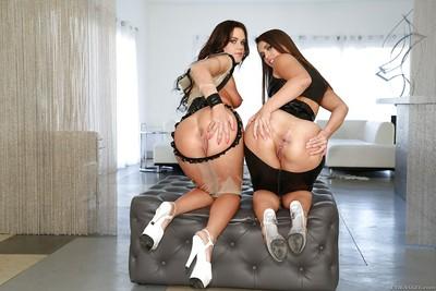 Clammy lesbians Roxy Raye and Kelsi Monroe fist dilation assholes