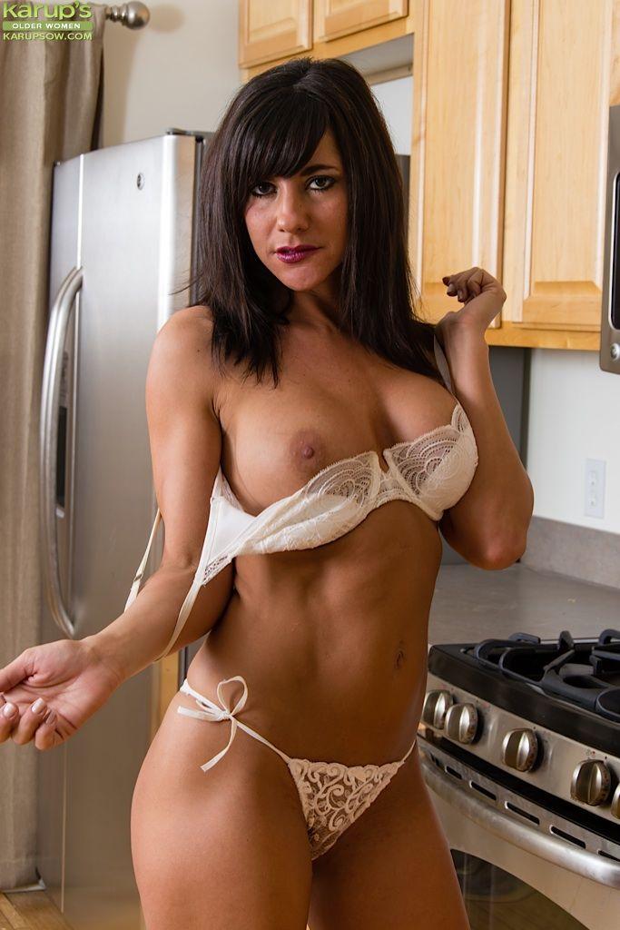 Courtney cos desnudo falso