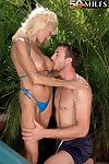 Grown darling sasha samuels drills in sticky tub