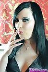 Untamed smokin\' darling with smokin\' want fingernails smokes a vs120 ciga