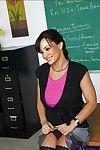 Brunette hair MILF patriarch Lisa Ann receiving weighty weenie in her flowing out love-cage