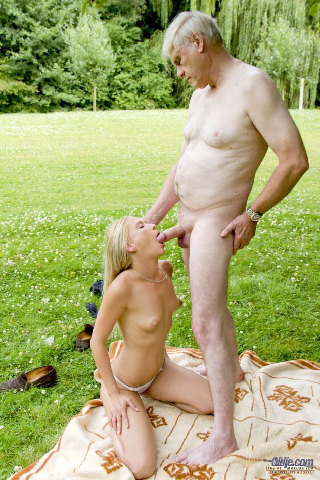 nude bhabhi with young boy