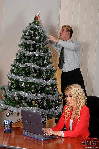 Blonde secretary Blanche sucks her boss dick for Christmas!