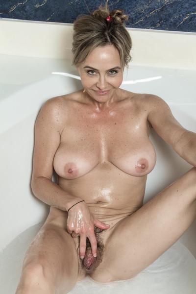Sexy bathtub fun with the beautiful sarah michaels