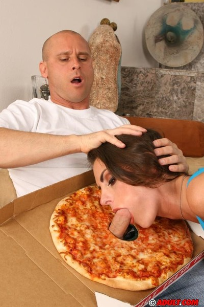 Busty MILF Amanda Emino tames her untamed urges with a pizza-guy