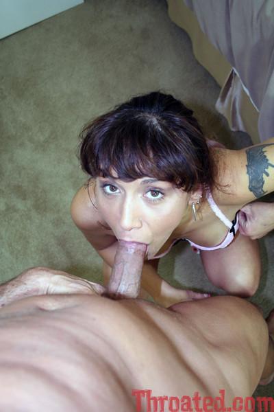 Brunette shows off her congenial deepthroat skill