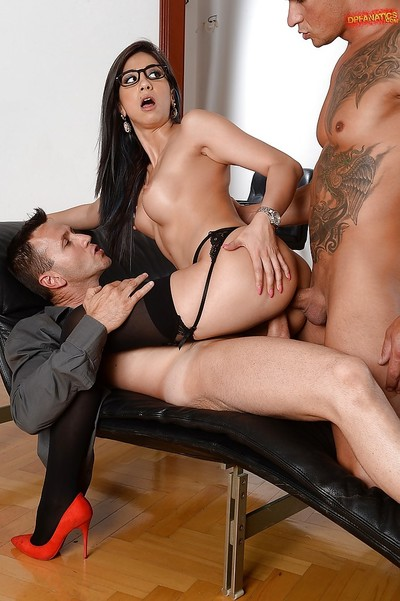 Leggy dark hair secretary Julia De Lucia taking hardcore double penetration