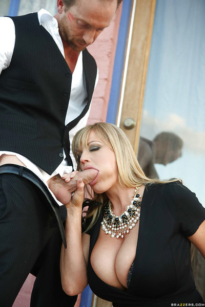 Curvaceous MILF Kelly Madison gives head and accepts fucked outdoor