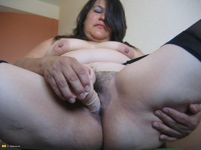 This hairy mature whore loves to have fun with herself