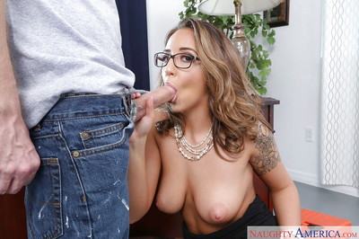 Glasses topped Layla London delightful cumshot in maw from big knob