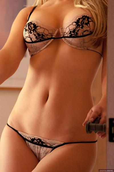 Blonde kayden kross shows off her palatable body