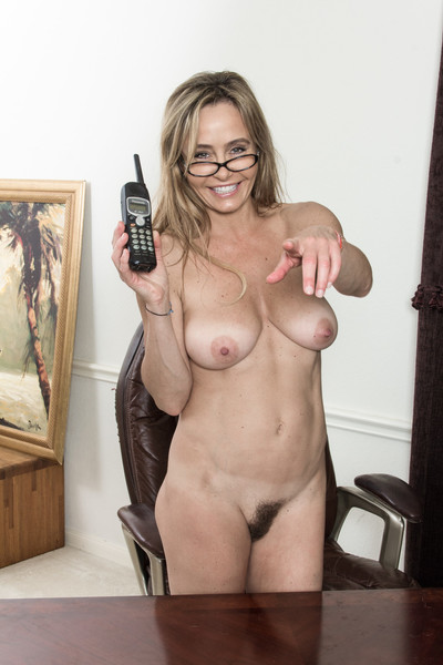 In her purple dom and glasses, the ravishing Sarah Michaels is smart. Removing her dom and underclothes shows off her wild all-natural body. She sits on her chair, spreads her legs and shows us her wild body.