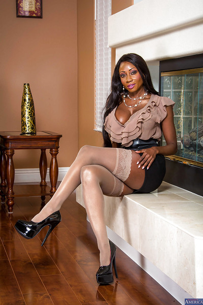 Mature pretty with gigantic tits Diamond Jackson shows off in high heels