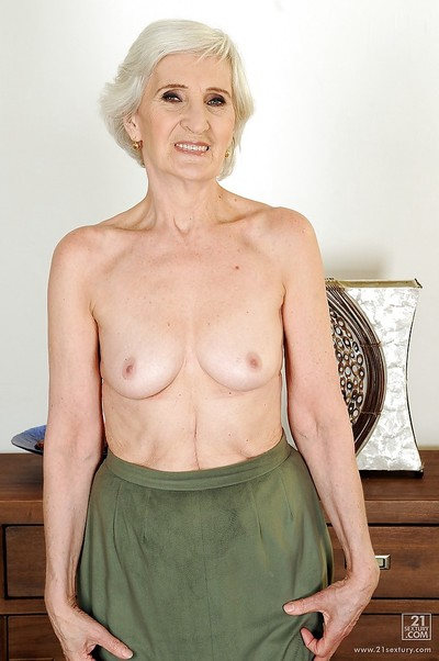 Very old lady Viviana with miniscule tits shows her hairy cunt