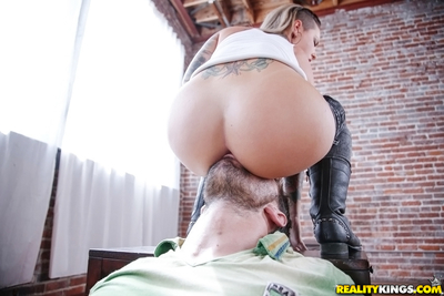 Sweet lassie Christy Mack gets fucked and takes a cumshot in her jaw