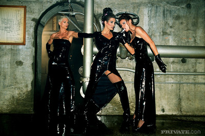 Three hardcore fetish chicitas in leather outfits having sex