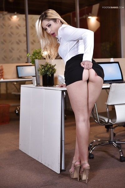 Leggy Latina office princess Goldie Rush flashing upskirt undies in high heels