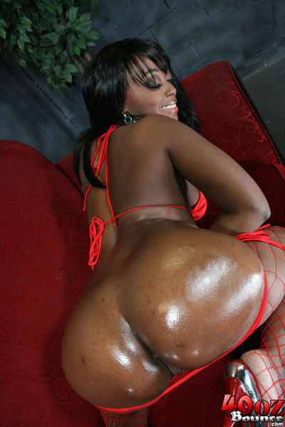 Brown dear with a damp ass Roxy Ray showing striptease in stockings