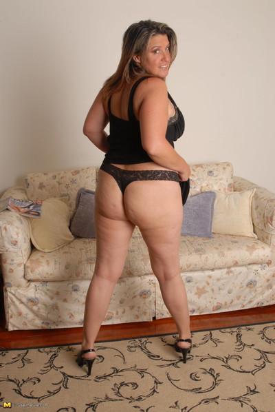Chubby angie obtains men aroused